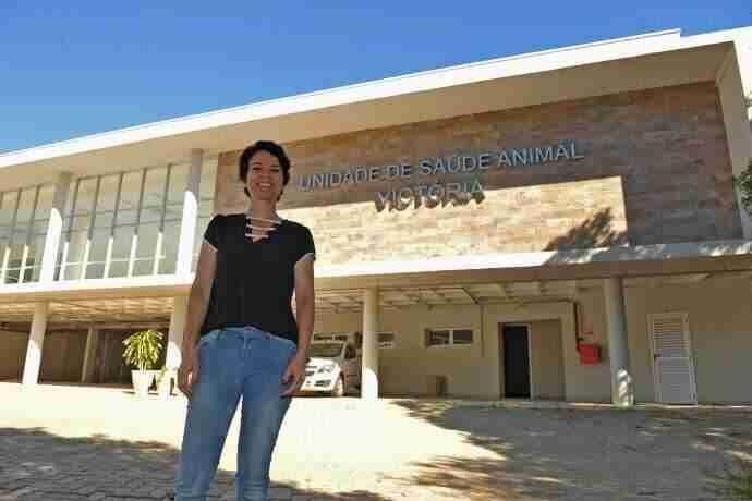 A coordenadora da Unidade de Medicina Veterinária, Viviane Diogo, destaca que falta apenas o habite-se | Foto: Alina Souza / CP