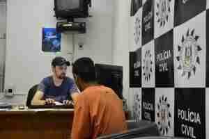 Segundo suspeito preso nega ter esfaqueado jornalista em Porto Alegre | Foto: Guilherme Testa
