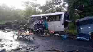 Colisão entre cinco veículos deixou outros 39 feridos neste sábado | Foto: Samu Macro Norte / Facebook / Divulgação / CP