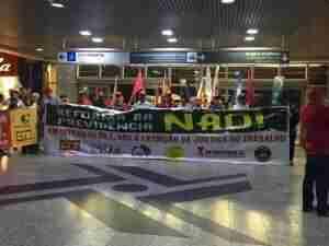 Ato reuniu cerca de 200 servidores. Foto: CTB-RS / Divulgação / CP
