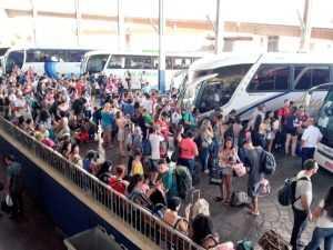Rodoviária de Porto Alegre tem movimento intenso hoje. Foto: Carlos Machado/Rádio Guaíba