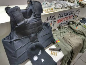 Materiais apreendidos com os criminosos / Foto: Polícia Civil / Divulgação
