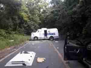 Carro-forte foi atacado na BR 470, em Bento Gonçalves. Foto: Polícia Rodoviária Federal / Divulgação / CP