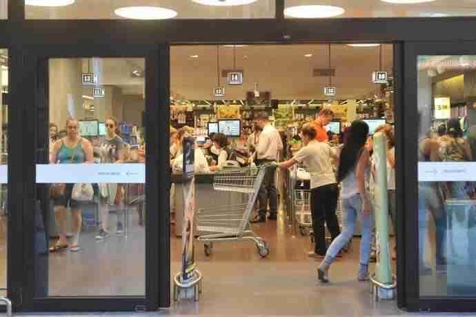 Supermercados não funcionarão somente na terça-feira | Foto: Mauro Schaefer / CP Memória