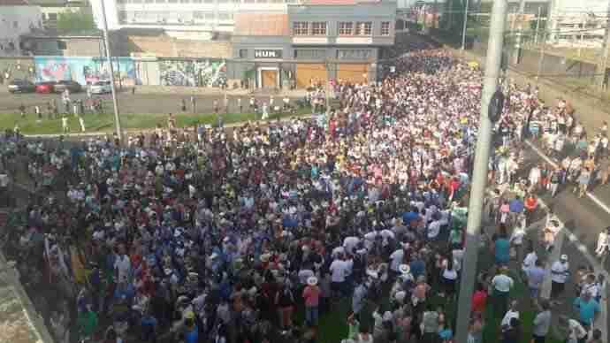 Milhares participam de procissão de Nossa Senhora dos Navegantes. Foto: Mauren Xavier / Especial / CP