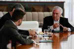 Presidente Michel Temer e seus ministros da área de segurança discutiram os pontos que estarão na medida provisória | Foto: Marcos Corrêa / PR / CP