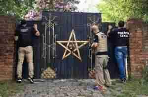 Justiça concede liberdade a suspeitos de esquartejar crianças em possível ritual satânico | Foto: Policia Civil / Divulgação / CP