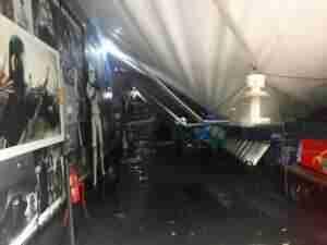 Estrutura cedeu e prateleiras foram destruídas | Foto: Jonathas Costa / Especial / CP