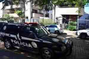 Apartamento ficou isolado para trabalho do Instituto-Geral de Perícias. Foto: Guilherme Testa/CP