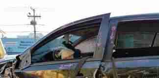 Carro sofreu dezenas de disparos, na zona Norte. | Foto: Álvaro Grohmann / Especial CP