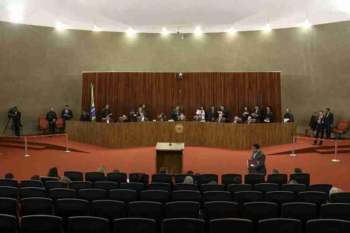 Placar no TSE é de 3 a 1 contra candidatura de Lula à Presidência - Radio  Guaíba f12034d5cb642