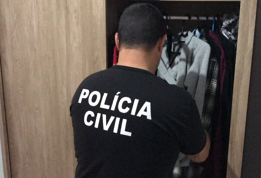 Polícia Civil faz operação contra traficantes que movimentam mais de R  1  milhão por mês - Radio Guaíba f342a68d4ec90