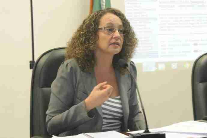 Luciana Genro (PSOL) e deputados do PSL e do MDB questionam reforma da previdência militar no RS | Foto: Tarsila Pereira/CP Memória