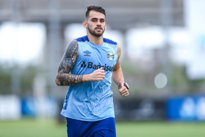 8b4e87fece Grêmio anuncia a contratação do atacante Felipe Vizeu - Radio Guaíba