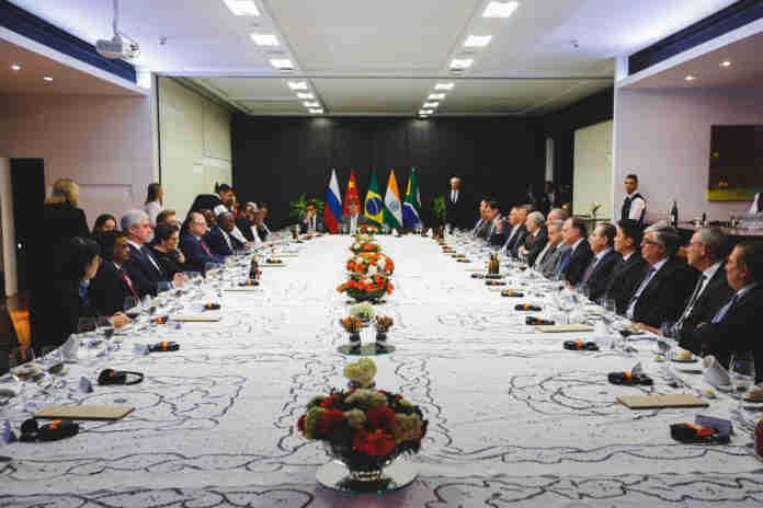 O grupo formado por Brasil, Rússia, Índia, China e África do Sul representa 40% da população mundial e 25% do PIB global.