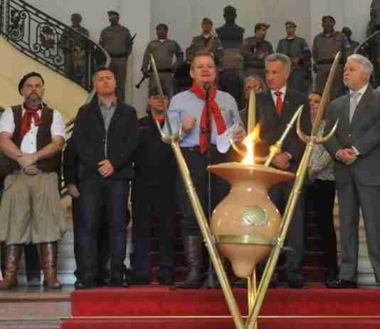 Ato no Palácio Piratini marcou a abertura oficial da Semana Farroupilha no Rio Grande do Sul
