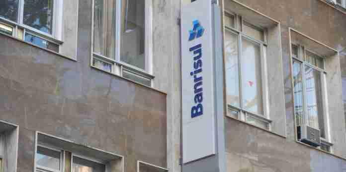 Branrisul: Governo deixa em aberto decisão sobre venda das ações