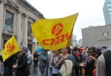 Centenas de professores vinculados ao CPERS protestaram nesta terça-feira
