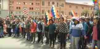 Apoiadores de Evo Morales foram às ruas na Bolívia | Foto: Reprodução/RecordTV