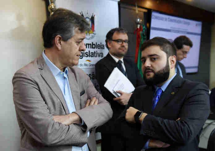 Deputado Gabriel Souza (MDB) pediu vista sobre análise de requerimentos sobre