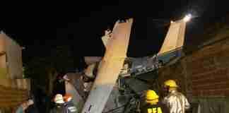 Avião saiu de Porto Alegre e caiu sobre residência vazia na Argentina | Foto: Emergencias BA/CABA
