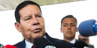 Hamilton Mourão comentou impasse envolvendo indicação de Decotelli ao MEC | Foto: Antônio Cruz/Agência Brasil
