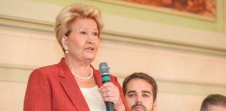 Ana Amélia Lemos falou da repatriação de gaúchos em entrevista à Rádio Guaíba neste domingo (5) | Foto: Felipe Dalla Valle/Palácio Piratini