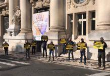 Policiais civis fizeram protesto respeitando distanciamento em frente ao Palácio Piratini | Foto: Divulgação/UGEIRM