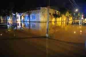 Ruas da zona Norte alagaram com refluxo do esgoto provocado por alta do Guaíba | Foto: Fabiano do Amaral/Correio do Povo