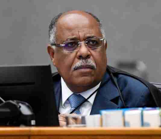 Segundo o STJ, o ministro Benedito Gonçalves está bem e vai continuar despachando e cumprindo isolamento em casa | Foto: Rafael Luz/STJ